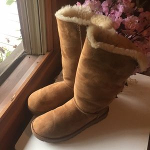 Authentic Ugg's Tall Bailey Bow Size 7